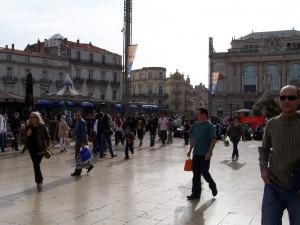 Place de la Comédie- hier trifft sich Montpellier.